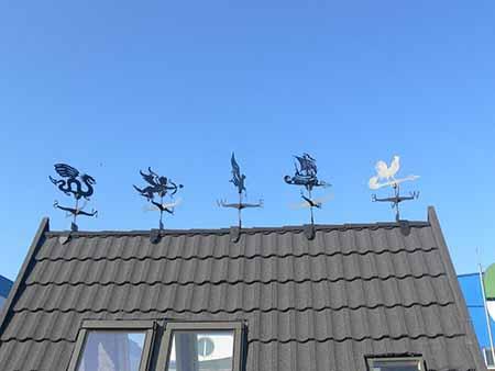 Флюгер на дах